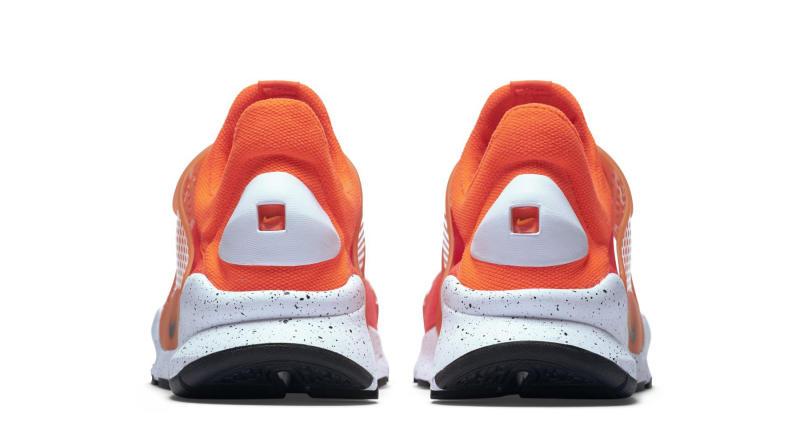 nike-sock-dart-orange-6_o4jto6.jpg