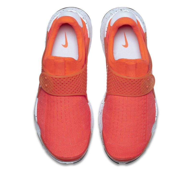 nike-sock-dart-orange-4_o4jtny.jpg