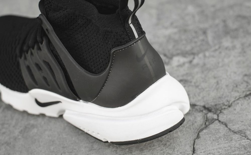 nike-presto-ultra-black-white_02.jpg