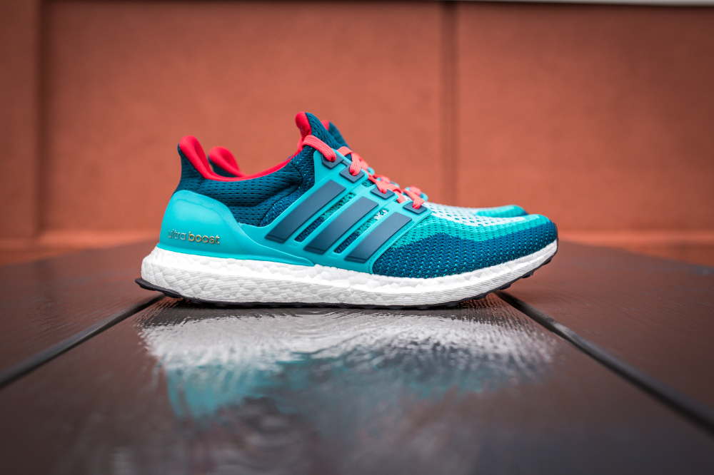 adidas-ultra-boost-gradient-green-mineral-shock-red-2.jpg
