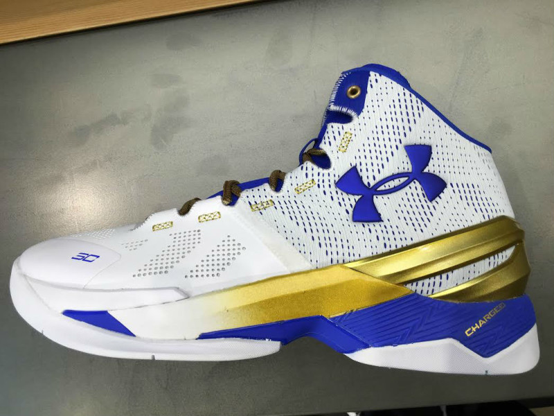 Under-Armour-Unveils-the-Curry-2-Gold-Rings-2.jpg