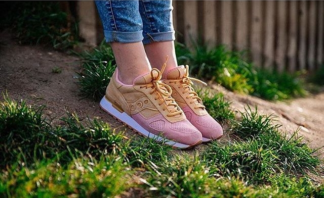 buy popular be0d1 9e3a1 First Look at the Saucony Shadow Original