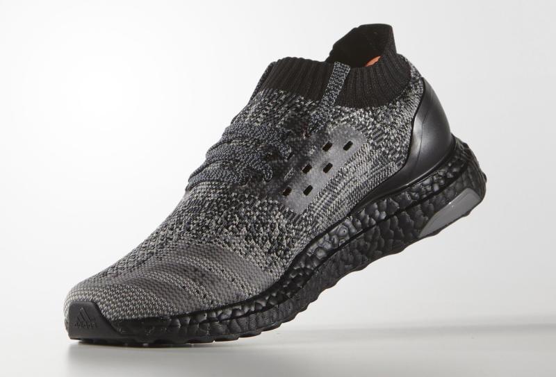 black-uncaged-adidas-ultra-boost_03.jpg