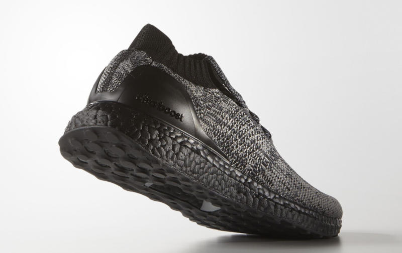 black-uncaged-adidas-ultra-boost_02.jpg