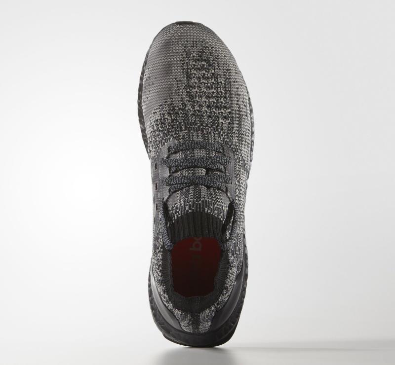 black-uncaged-adidas-ultra-boost_04.jpg