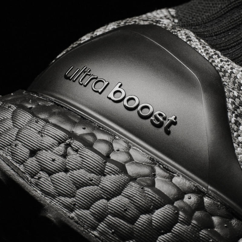 black-uncaged-adidas-ultra-boost_08.jpg