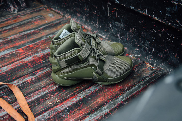 048e8ef3135 Now Available  Nike Zoom LeBron Soldier 9