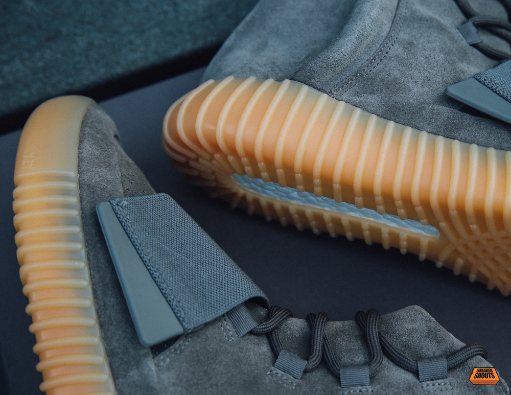 Tagged-Adidas-Yeezy-750-Boost-Light-Grey-Gum-Glow-In-The-Dark-4.png
