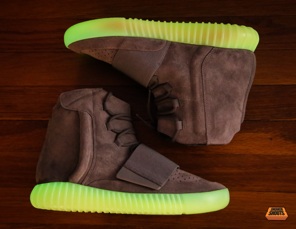 Tagged-Adidas-Yeezy-750-Boost-Light-Grey-Gum-Glow-In-The-Dark-9.png