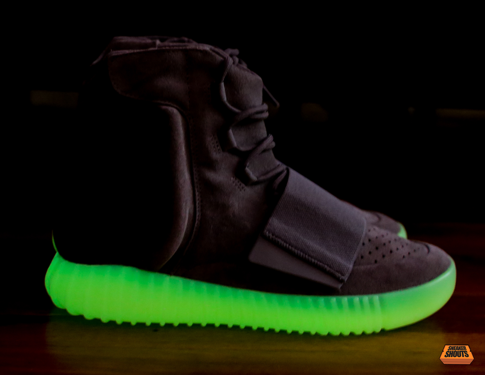 Tagged-Adidas-Yeezy-750-Boost-Light-Grey-Gum-Glow-In-The-Dark-10.png