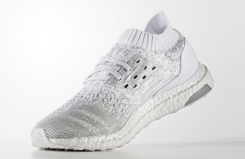 adidas-ultra-boost-uncaged-white-silver-05_o955qd.jpg