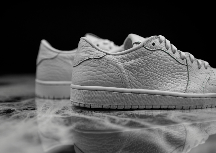 air-jordan-1-low-no-swoosh-white-1.png