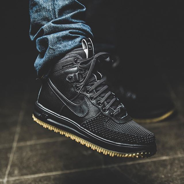 huge discount fe235 cd7ad Now Available  Nike Lunar Force 1 Duckboot