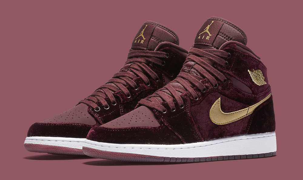 d641ac9bacf8b4 Now Available  GS Air Jordan 1 Retro High
