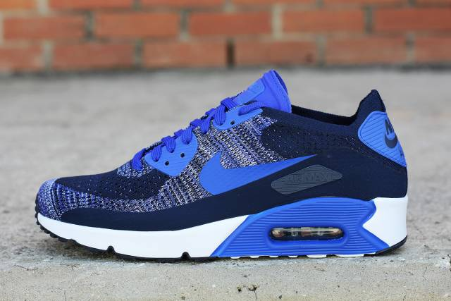 official photos db1eb 8cedb Now Available: Nike Air Max 90 Flyknit 2.0