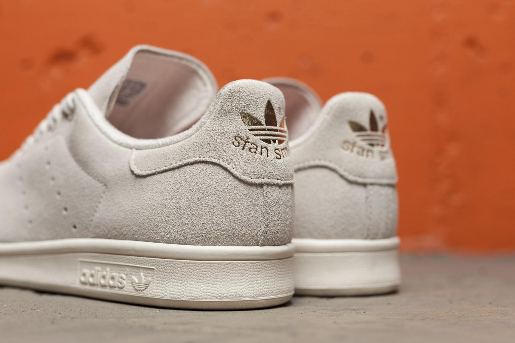 adidas off white suede stan smith