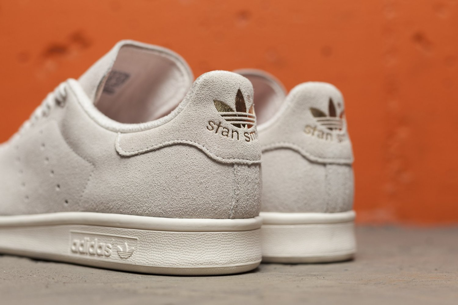 new concept d9658 c2b8d adidas Stan Smith Suede