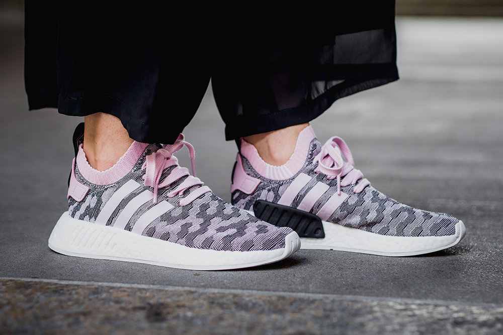 the best attitude 211dc b05e8 adidas nmd r2 primeknit womens adidas nmd r2 black womens