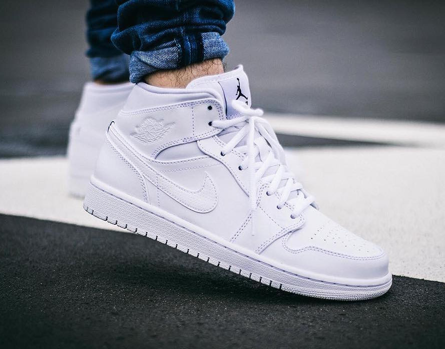 separation shoes 27cc7 3d1d1 Air Jordan 1 Mid