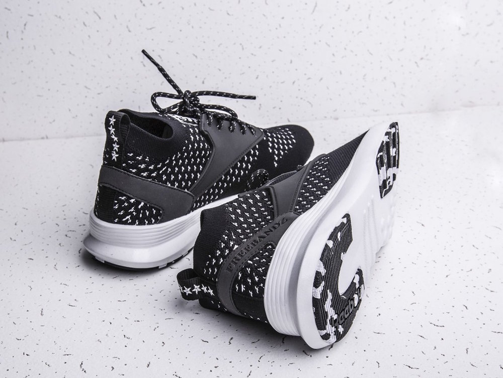012bcded081c52 Future x Reebok Zoku Ultraknit