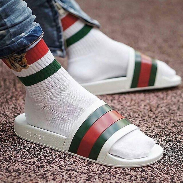 efa643f0b16e Restock  Gucci Pursuit  72 Slide — Sneaker Shouts