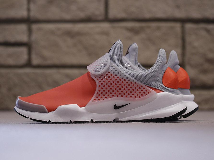 official photos 5cb39 1b8f1 Nike Sock Dart SE