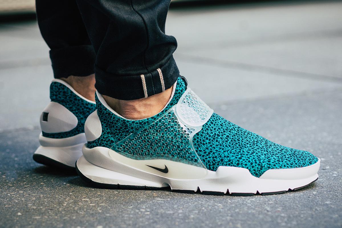 new concept 3b0e4 d4448 Nike Sock Dart QS Safari