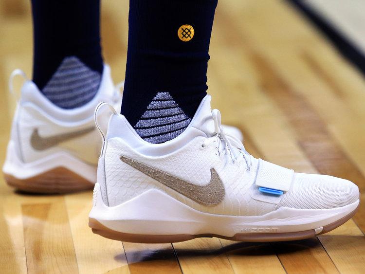 6f8c3af7d Nike Kyrie 1