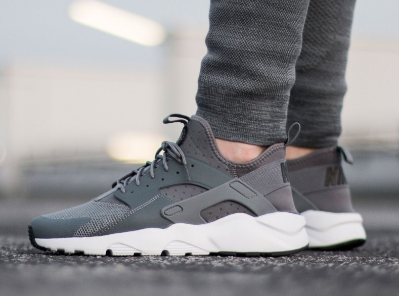 sports shoes 23656 ee6ef Nike Air Huarache Ultra