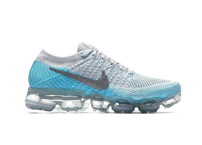 new products 18d56 39063 Now Available: Women's Nike Air VaporMax Flyknit