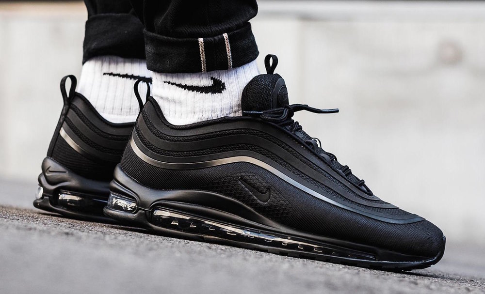 triple black air max 97