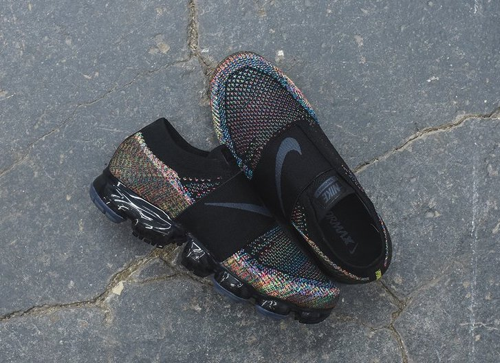 best service 2c9d0 bdb20 Now Available  Nike Air VaporMax Flyknit Moc