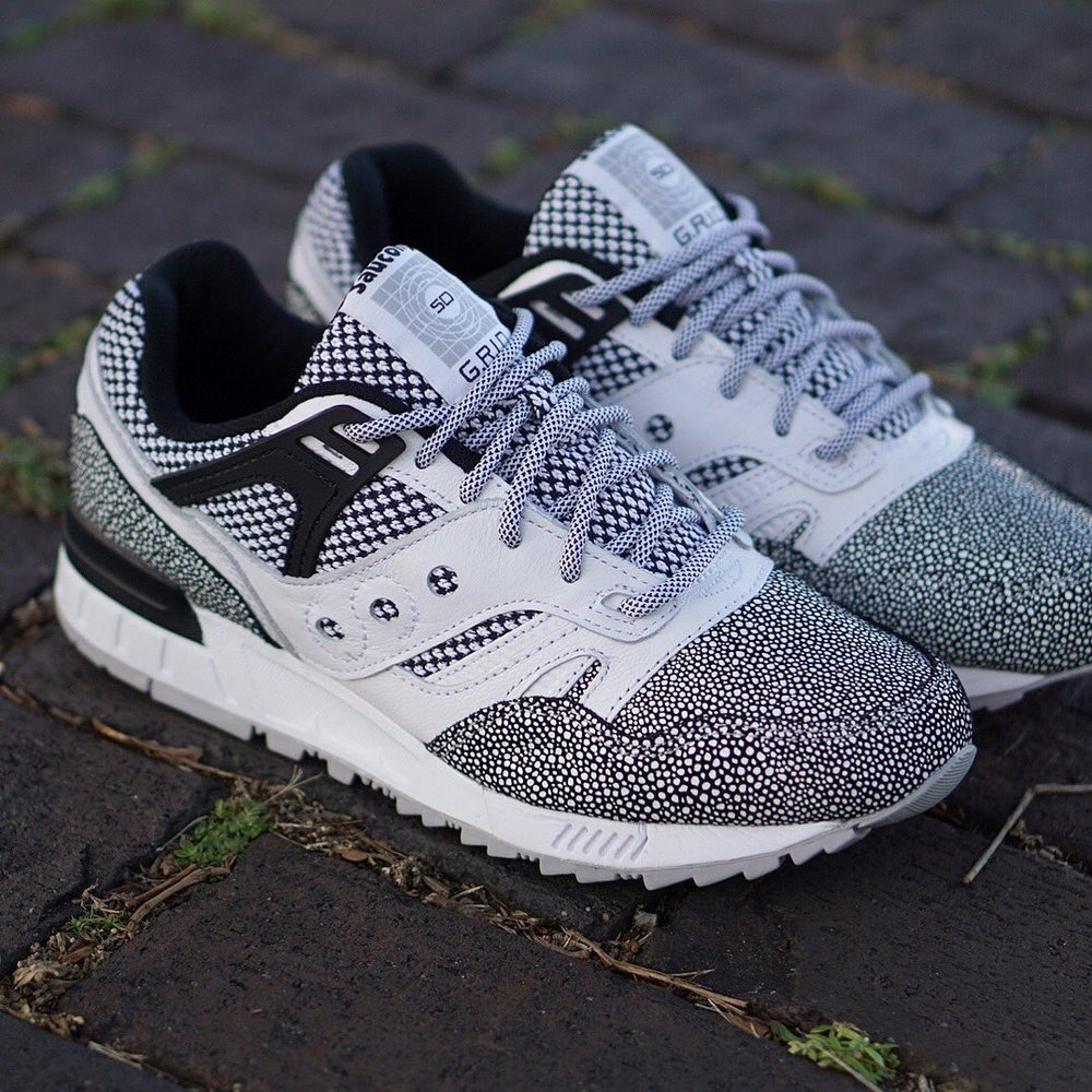 be03f9886dd8 On Sale  Saucony GRID SD