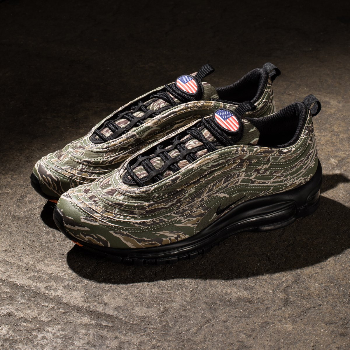 quality design 26201 dd754 Now Available: Nike Air Max 97