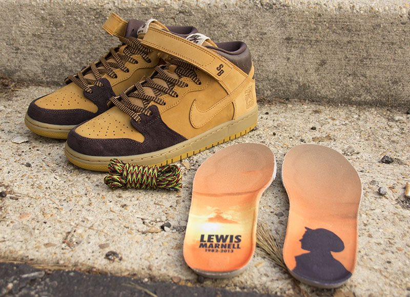 Now Available: Nike SB Dunk Mid Pro