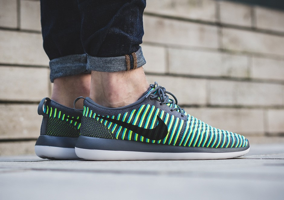 more photos d3649 05ef6 On Sale  Nike Roshe Two Flyknit