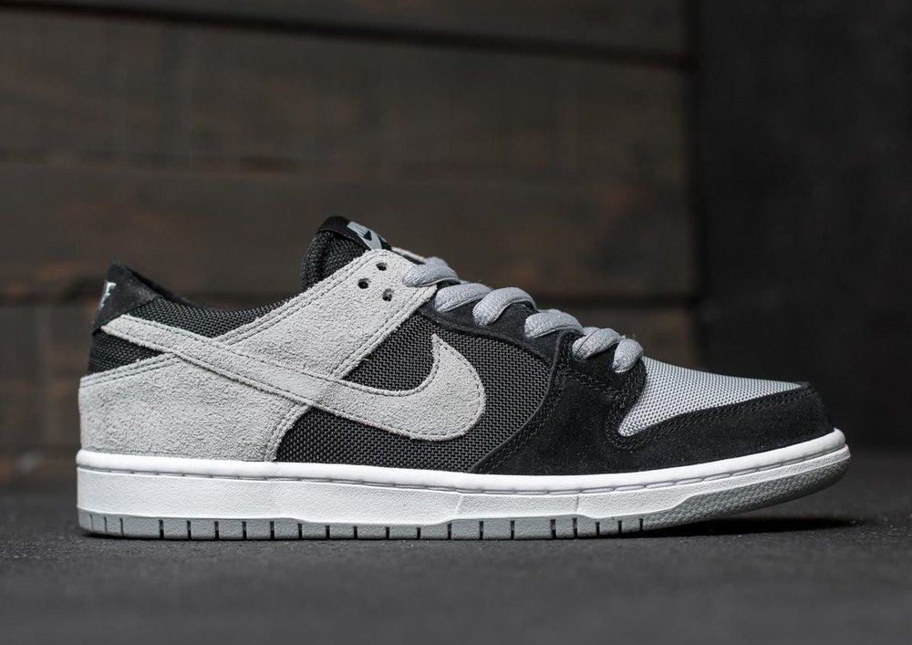 Nike Dunk Low Mens Shoes Grey