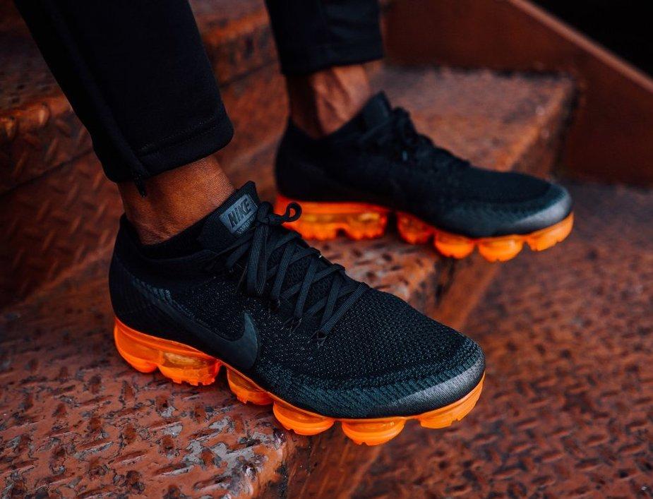 Nike Air Vapormax Flyknit Anthracite Black Rush Orange