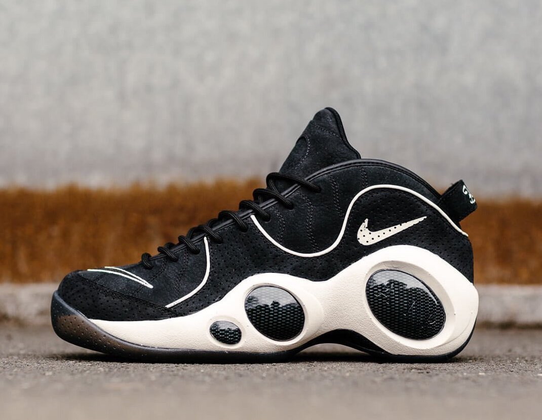 a594a06711c7 On Sale  Nike Air Zoom Flight 95