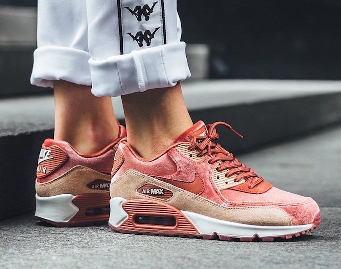 official photos d4808 c3931 Now Available: Women's Nike Air Max 90 LX