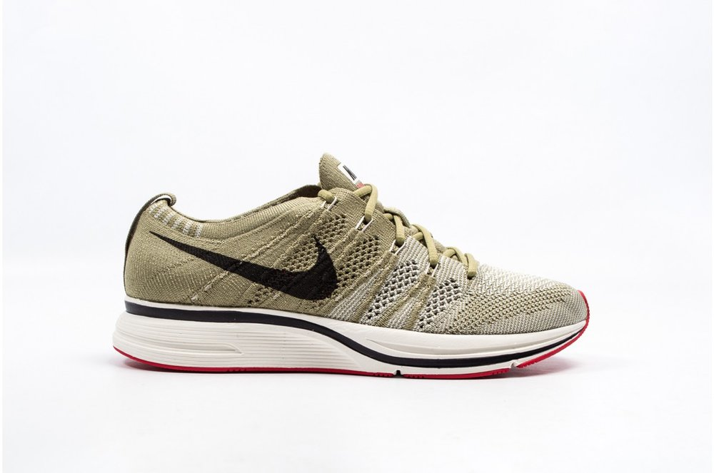 8fabb4d1b581 Now Available  Nike Flyknit Trainer