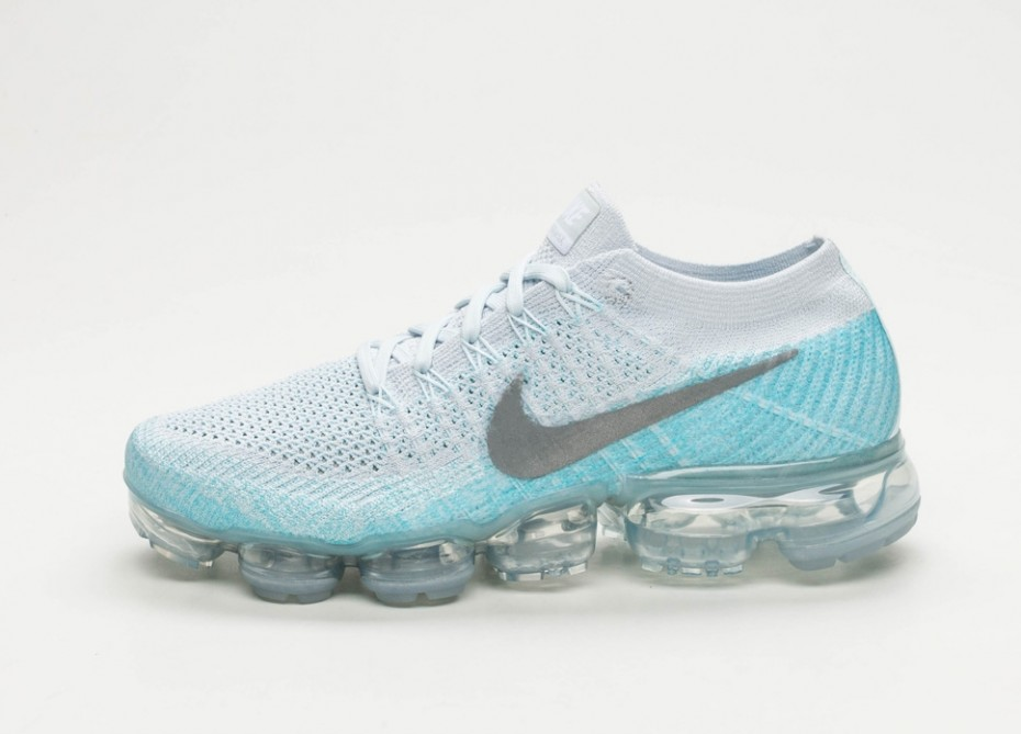 6e16228320b8 On Sale  Women s Nike Air VaporMax Flyknit