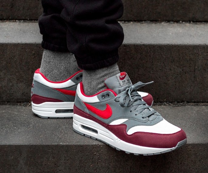 a34f1bcbeb1c On Sale  Nike Air Max 1