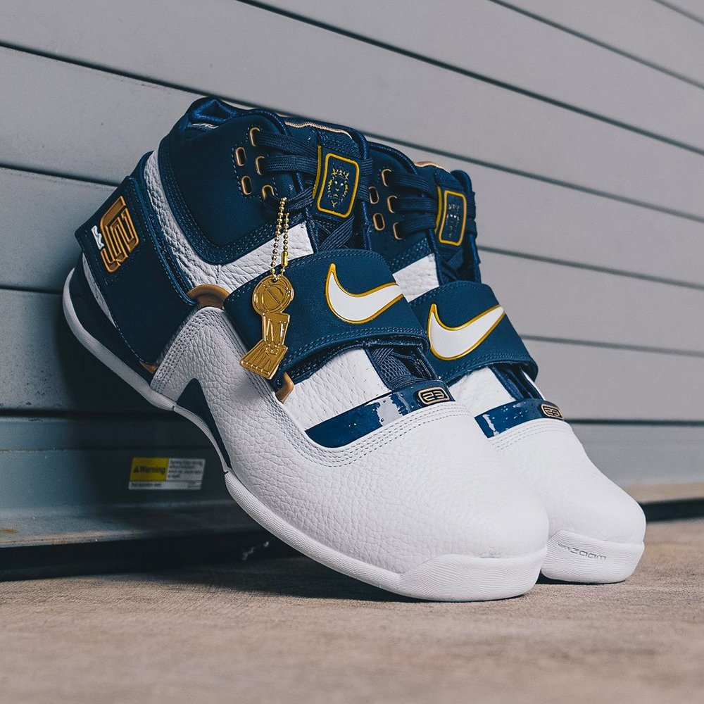 competitive price 75a67 cd885 Restock  Nike LeBron Soldier 1