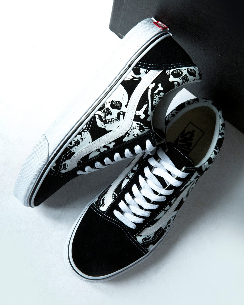 7694d9fbc29a00 Now Available  Vans Old Skool