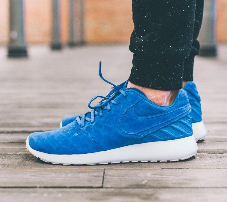 b72e8c9e4ac9 On Sale  Nike Roshe Tiempo IV