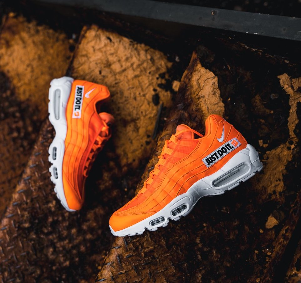 77debcecf8099 Now Available  Nike Air Max 95 SE Just Do It