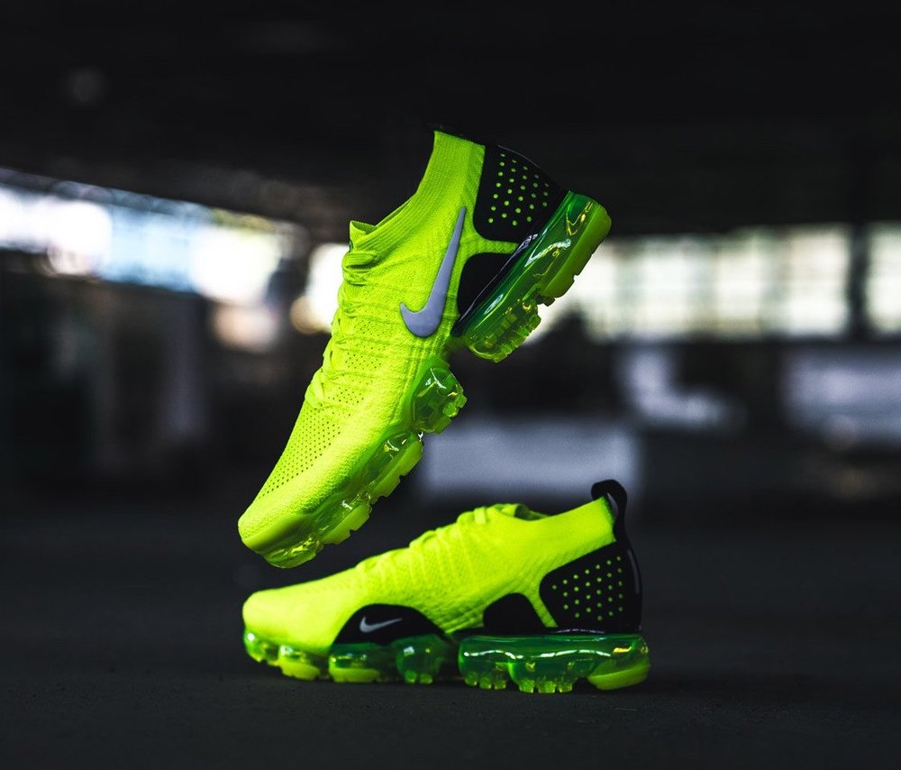 On Sale Nike Air Vapormax Flyknit 2 Volt Sneaker Shouts All White Premium
