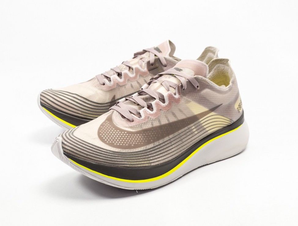 afdbe796310b On Sale  Nike Zoom Fly SP