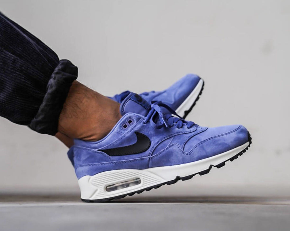 91d4e07d02c Now Available  Nike Air Max 90 1